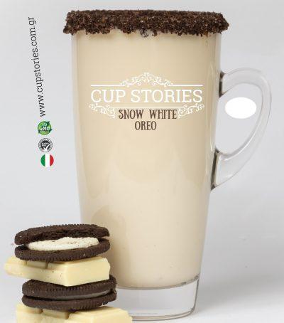 Ρόφημα λευκής σοκολάτας βουτύρου, με πλούσια αρώματα βανίλιας σε βουτιές τρίματος ορεο μπισκότου.